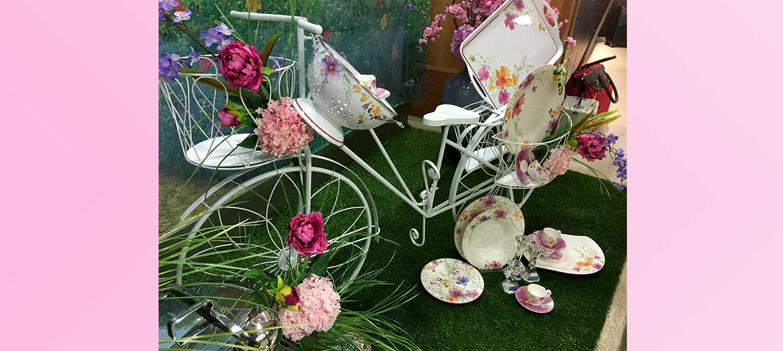 La primavera in vetrina orzelleca gioielli - Idee per vetrine primaverili ...